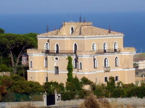 Il Castello dei Baroni Gallelli